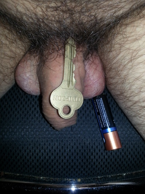 Dick as big as a key and a battery?