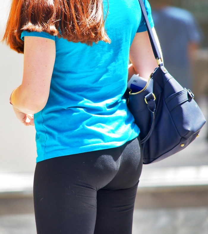 Love seeing hot wives in leggings