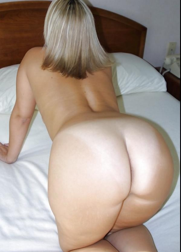 Blonde PAWG Ready for Doggystyle