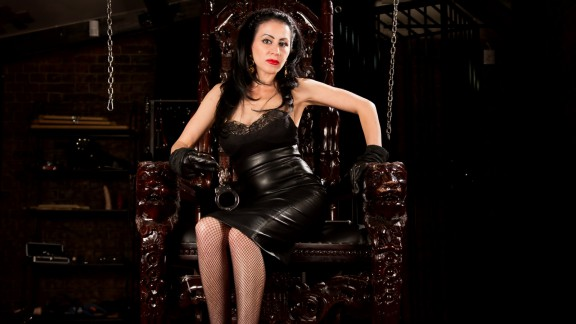 Mistress Taylor Gracing You with My Presence