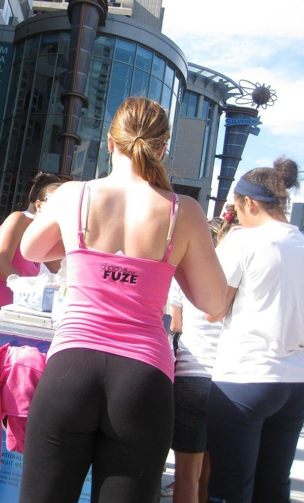 Hot chick in yoga pants