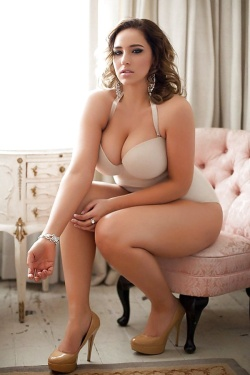 Thick chick with big cleavage