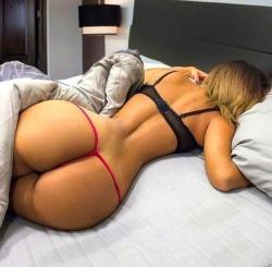 love her round ass!