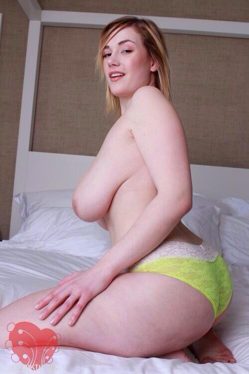 curvy girls naked panties