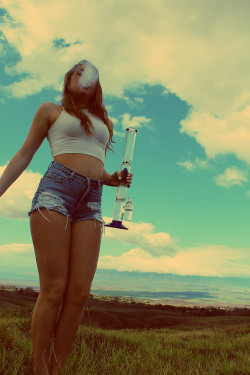 Stoner Girls are the Hottest