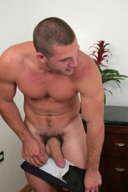 I want his big white cock in my mouth