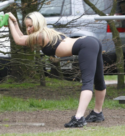 She stretches like this? She wants to be pounded!