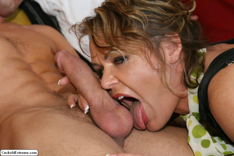 Watching his wife lick another woman