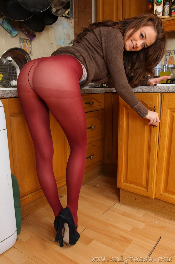 Pantyhose are coming back, young cum girls