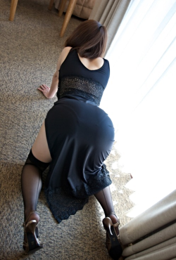 Wouldn't mind coming home and seeing this big ass