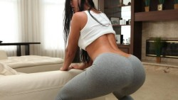 How could anyone not love yoga pants!