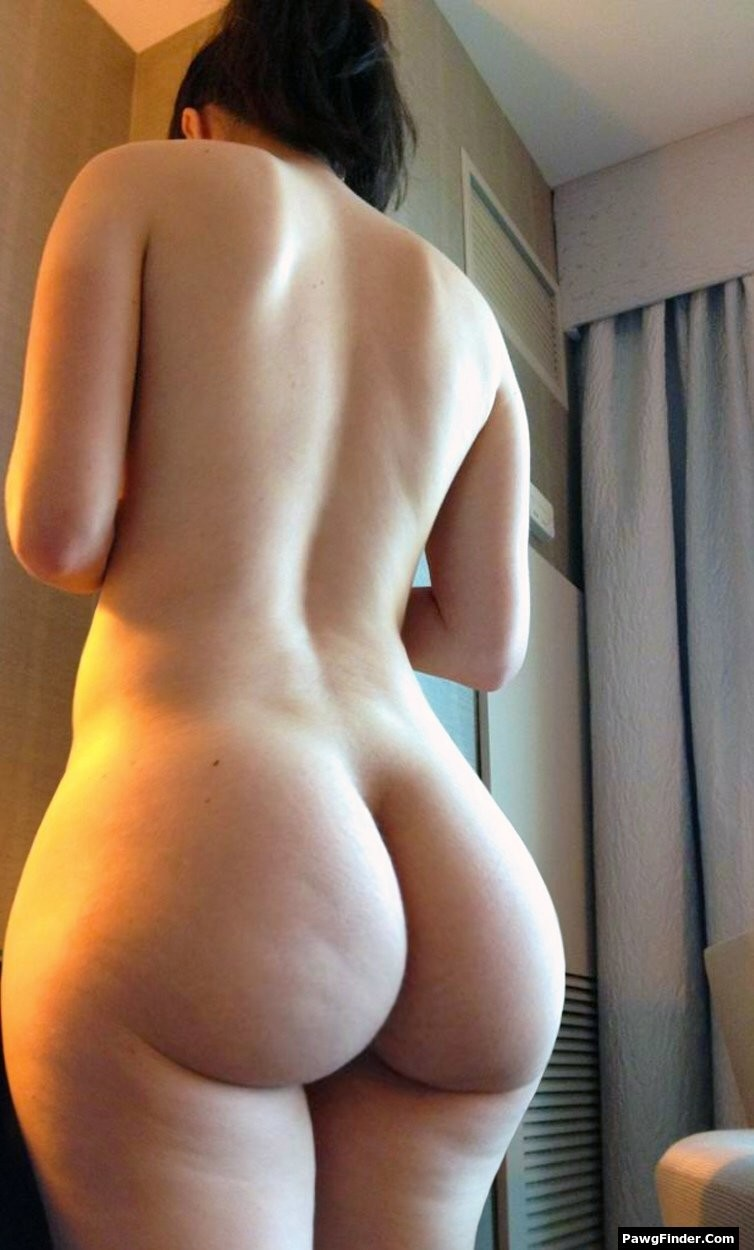 Big butt naked photo woman