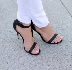 Perfect pretty toes and pumps