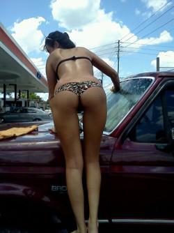 Baywash Bikini Car Wash in Florida