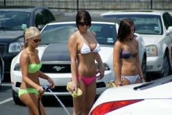 Twin Peaks Bikini Car Wash in Austin