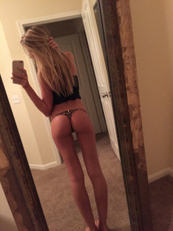 Blonde with a pretty ass and the legs to match