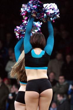 Hot plump cheerleader booty
