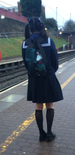 What a sissy schoolgirl I look