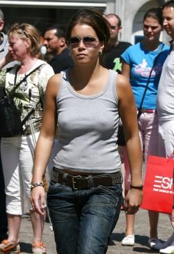 Love when women skip the bra