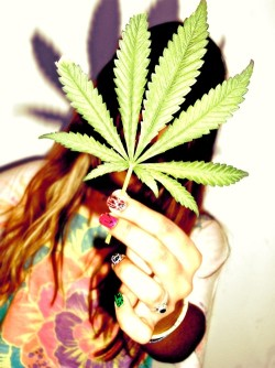 Stoner Girls Rule!