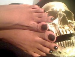 Black Foot Fetish Mistress and Financial Fucktress