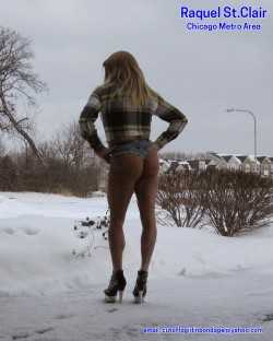 Blondie in Cheeky Daisy Dukes in the Winter Snow and Cold (album #5598072) – RealPicsOnly.com