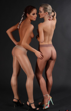 2 Princesses in Pantyhose, High Heels and Nothing Else