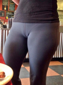 Waitress Rocking Camel Toe Leggings with VPL
