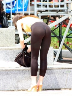 Leggings Were Made to Be Enjoyed by Horny People