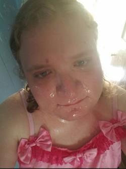 sissy facial :D