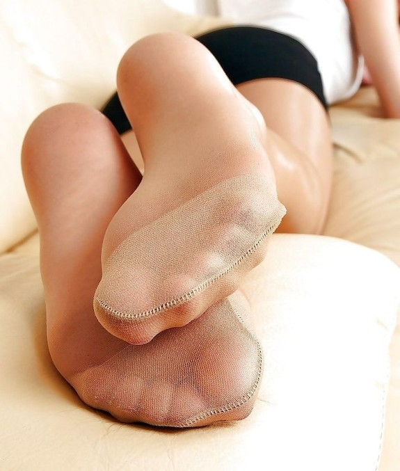 Sniff Smelly Pantyhose Toes