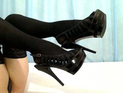 High heel slaves and panty addicts must see this mistress now