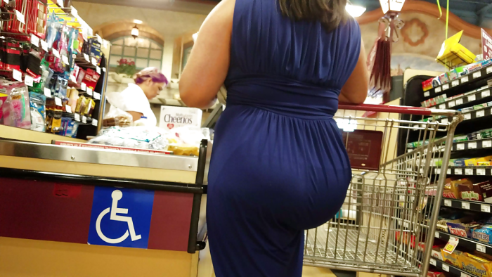 Thick Latina mom's fat ass has visible pantylines