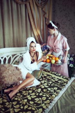 Straight princess puts lesbian slave maid to work