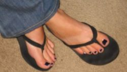 I LOVE jerking guys off with my cute little feet!!
