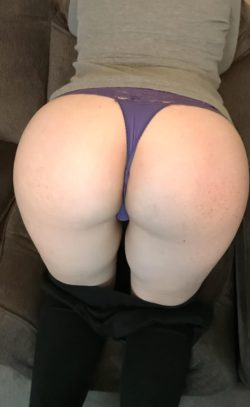 Selling used panties from college and thongs