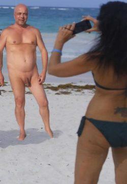 Beach CFNM photoshoot