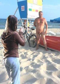 Beach CFNM photo