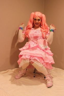 Sissy Rachie Feeling So Girly She Can Barely Contain Herself