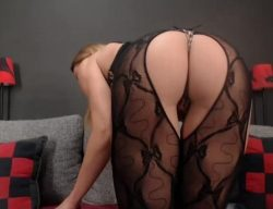 Goddess Julie is here you wimp dick losers, horny cocklettes