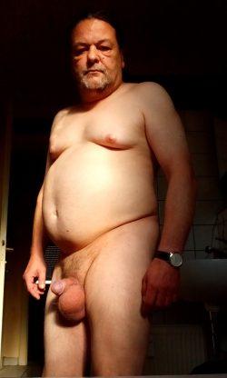 Fette alte Nacktschwuchtel