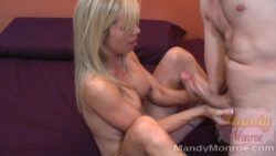 Petite Hotwife Gets Creampie from Big Cock