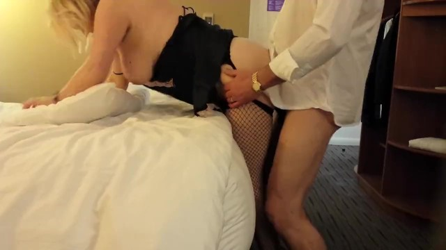 Plump Older Housewife Gets Boned by a Stranger