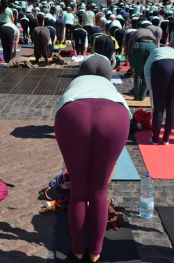 Yoga Classes: Get Off to Tight Pants and Visible Thongs