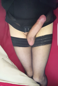 I am a sissy that worships cock