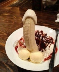 Anyone for dessert?? 💕🍰💕