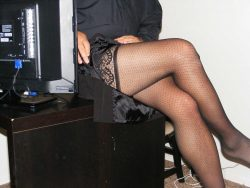 I wish my secretary would walk in and see me like this!