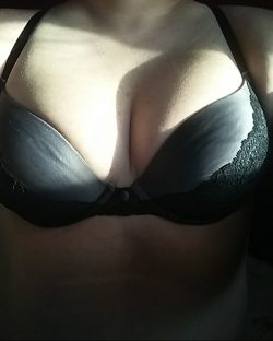 I love showing off my tits