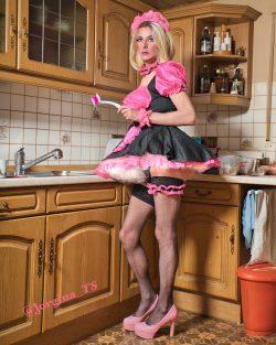 Sissy Maid Jorgina at service