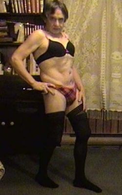Sissy cougar poses in bra & panties with naughty stockings